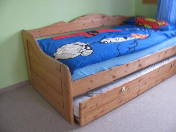 kojenbett kiefer massiv kinder jugendzimmer aus sauerlach. Black Bedroom Furniture Sets. Home Design Ideas
