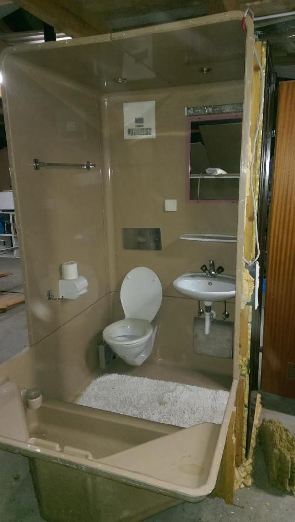 Nasszelle dusche wc verschiedene design inspiration und interessante ideen f r - Verf wc ...