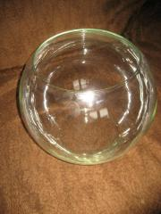 kugelförmiges Glas für