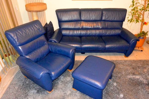 ledersofa mit fernsehsessel blau in gro beeren polster. Black Bedroom Furniture Sets. Home Design Ideas