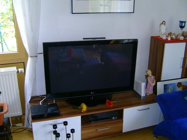 lg 42 zoll plasma fernseher in sandhausen tv projektoren kaufen und verkaufen ber private. Black Bedroom Furniture Sets. Home Design Ideas