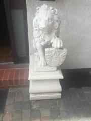 Löwen aus Gips