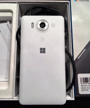 Microsoft Lumia 950,