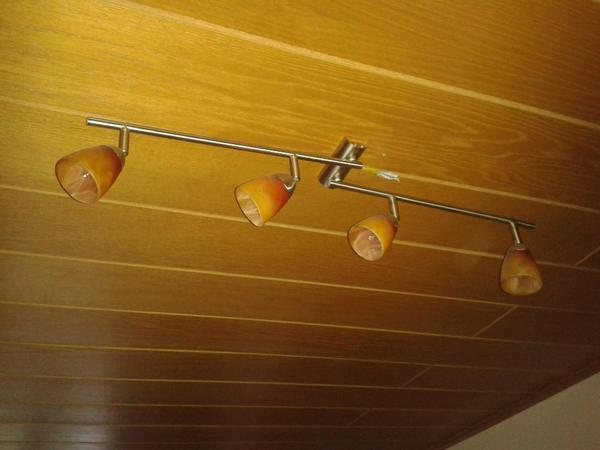 mikrowelle deckenlampen k chenbar mit 2 hocker zu. Black Bedroom Furniture Sets. Home Design Ideas