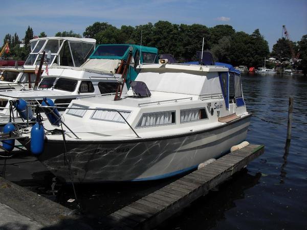 motorboot waterland 850 in berlin motorboote kaufen und verkaufen ber private kleinanzeigen. Black Bedroom Furniture Sets. Home Design Ideas