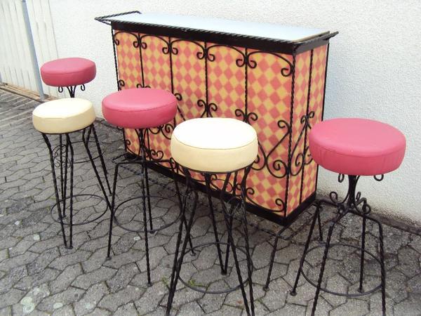 Neue schmiedene eiserne kleine bar und 2 rosa barhocker zu for Barhocker quoka