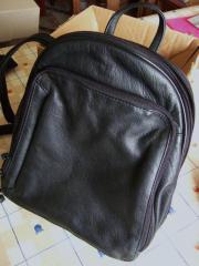 Neuer schwarzer Lederrucksack,
