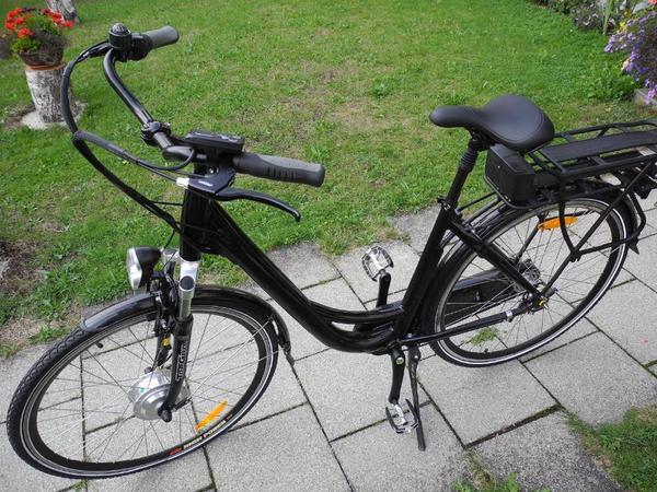 neues damen e bike in ebersberg damen fahrr der kaufen und verkaufen ber private kleinanzeigen. Black Bedroom Furniture Sets. Home Design Ideas