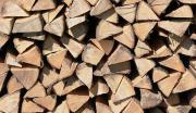 Ofenfertiges Brennholz zu