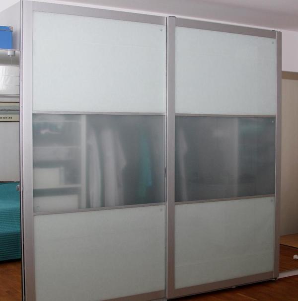 pax lyngdal alu milchglas schiebet ren 300 x 236. Black Bedroom Furniture Sets. Home Design Ideas
