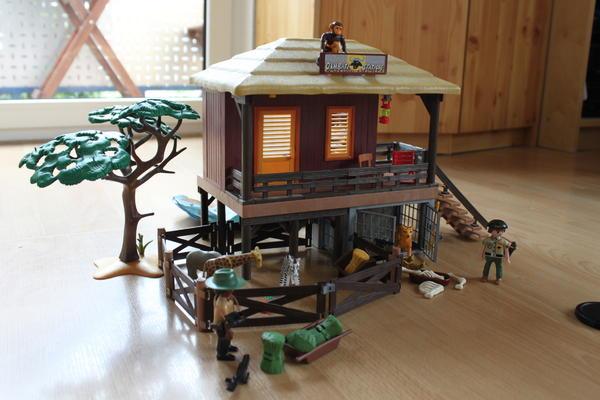 Spielzeug lego playmobil oambati station
