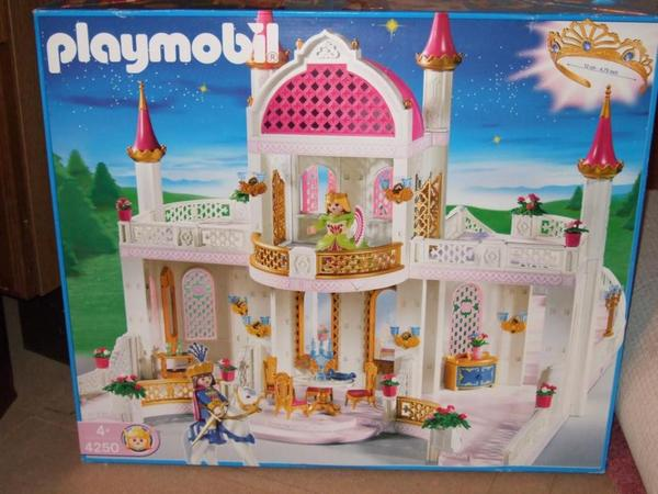Playmobil schloss 4250 mit ausstattung in karlsfeld for Chateau playmobil 4250