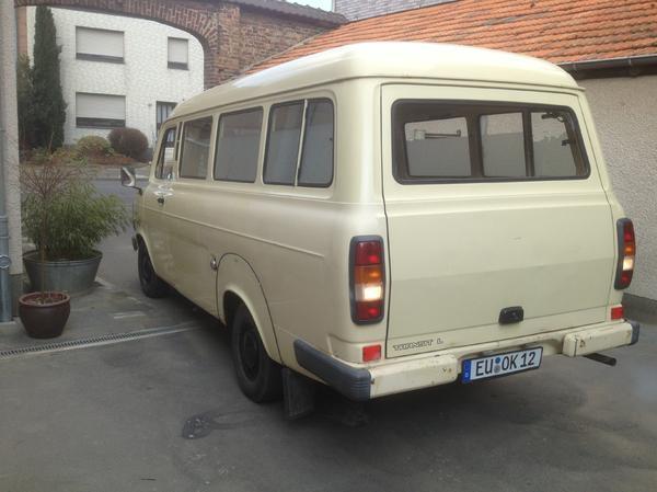 rettungswagen in euskirchen kleinbusse transporter kaufen und verkaufen ber private. Black Bedroom Furniture Sets. Home Design Ideas