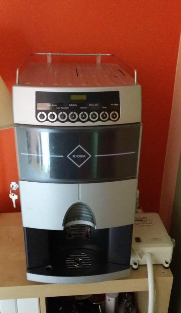 rioba kaffeevollautomat ext wasseranschluss profimaschine 1 jahr alt in m nchen kaffee. Black Bedroom Furniture Sets. Home Design Ideas
