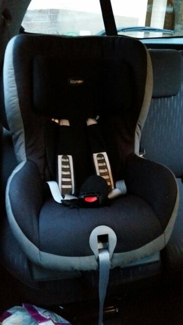 auto kindersitze baby kinderartikel gebraucht kaufen. Black Bedroom Furniture Sets. Home Design Ideas