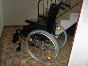 Rollstuhl (leichte Ausführung),