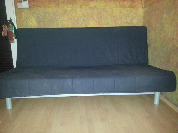 schlafsofa ikea beddinge mit dunkelblauem bezug in. Black Bedroom Furniture Sets. Home Design Ideas