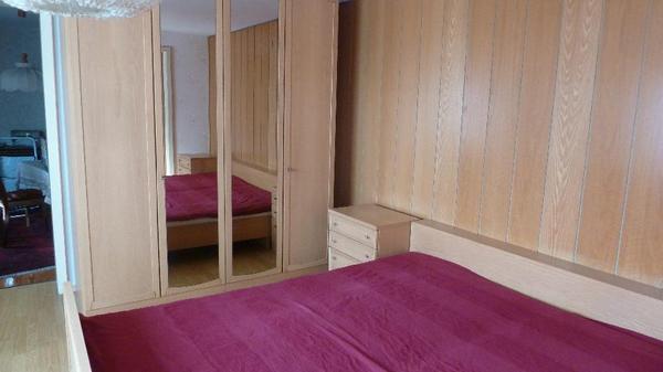 schlafzimmer eiche holzfurnier sehr gut erhalten in mutterstadt schr nke sonstige. Black Bedroom Furniture Sets. Home Design Ideas