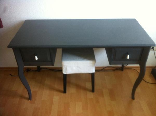 schminktisch inkl hocker von ikea zu verkaufen in frankfurt ikea m bel kaufen und verkaufen. Black Bedroom Furniture Sets. Home Design Ideas
