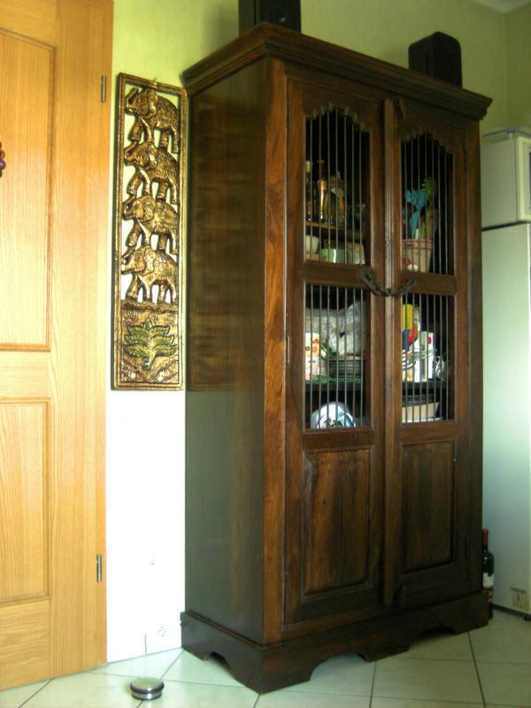 schrank im kolonialstil auch als weinschrank nutzbar in klosterkumbd k chenm bel schr nke. Black Bedroom Furniture Sets. Home Design Ideas