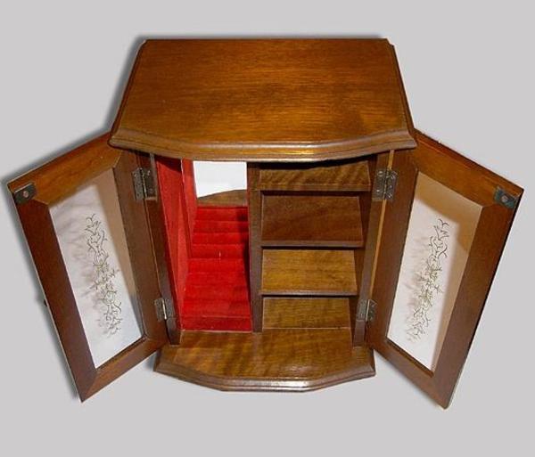 f r verschiedene schmuckarten wie ringe ketten ohrringe stecker usw material aus holz. Black Bedroom Furniture Sets. Home Design Ideas