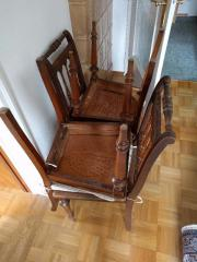 Sechs antike Stühle