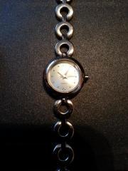 silberne Armbanduhr