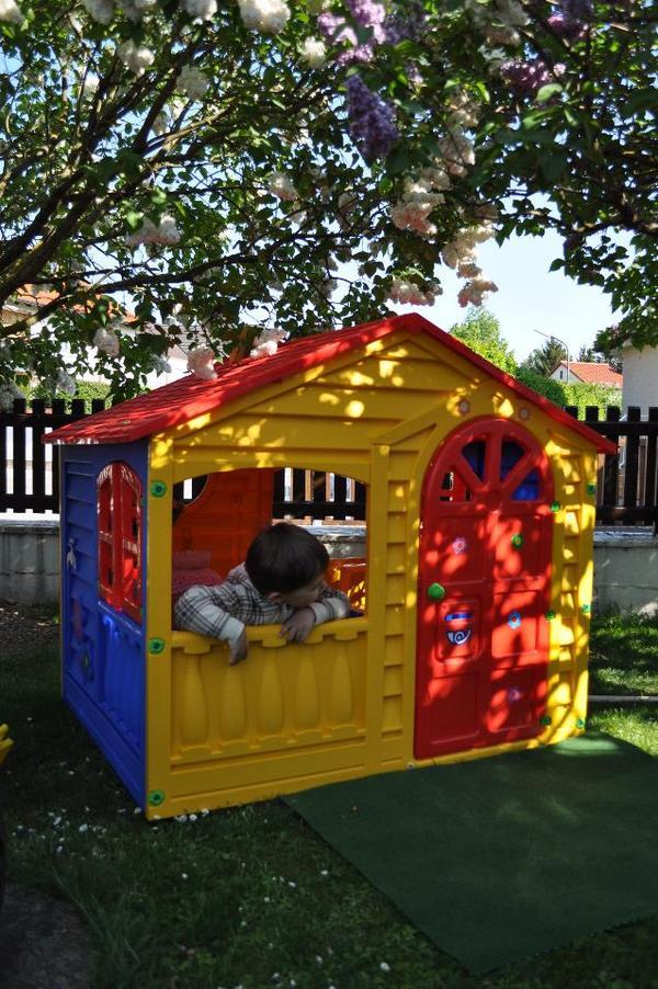spielhaus f r kinder in eching sonstiges kinderspielzeug kaufen und verkaufen ber private. Black Bedroom Furniture Sets. Home Design Ideas