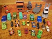 Spielzeugautos plus Verkehrsschilder