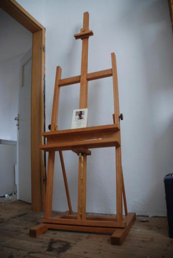 staffelei studiostaffelei f r malerei fast wie neu in ludwigshafen handarbeit basteln. Black Bedroom Furniture Sets. Home Design Ideas