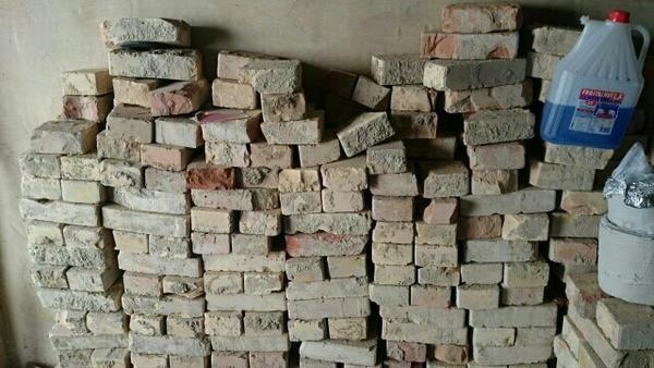 Historische Tapeten M?nchen : Ziegelsteine komplett zu verkaufen