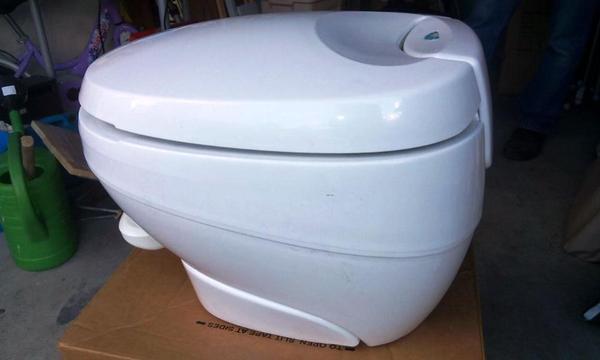 toilette kleinanzeigen camping wohnmobile. Black Bedroom Furniture Sets. Home Design Ideas