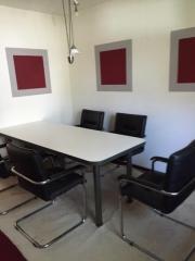 Tisch mit 5Echtlederstühle