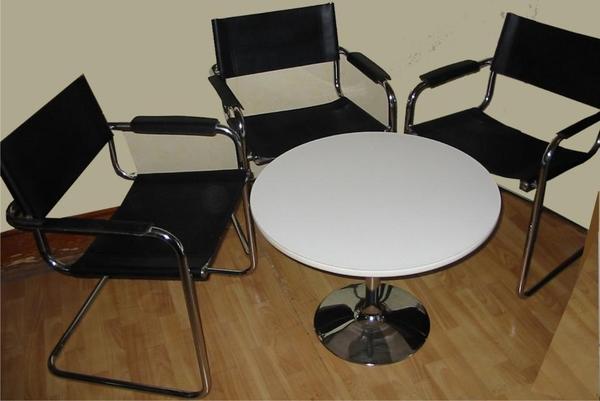 tischgruppe 3 freischwinger designerm bel klassiker. Black Bedroom Furniture Sets. Home Design Ideas