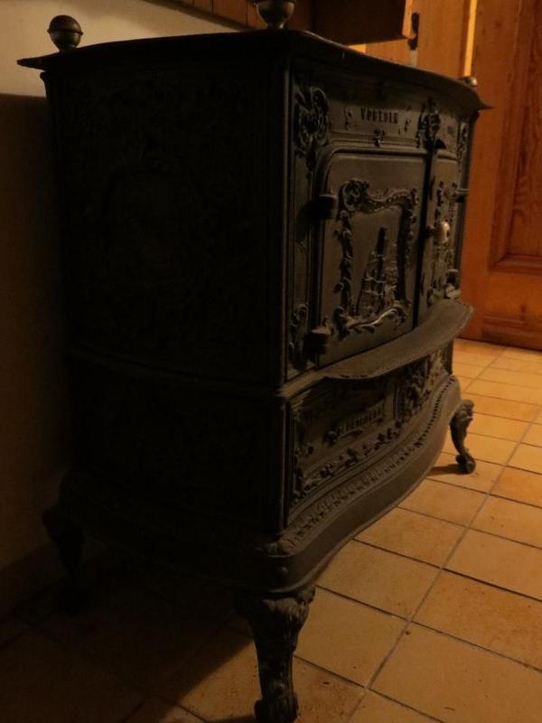 top antiker gussofen dietrich kanonenofen art deco. Black Bedroom Furniture Sets. Home Design Ideas