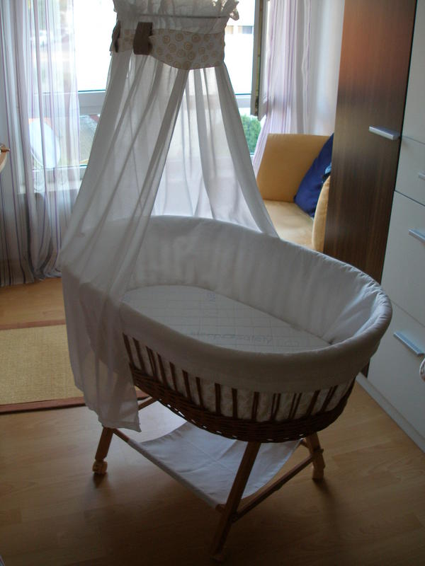 top christiane wegner stubenwagen inkl tr umeland matratze in augsburg wiegen babybetten. Black Bedroom Furniture Sets. Home Design Ideas