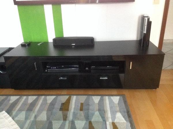 tv bank h ngeschrank kombi in hochglanz schwarz traglast tv bank. Black Bedroom Furniture Sets. Home Design Ideas