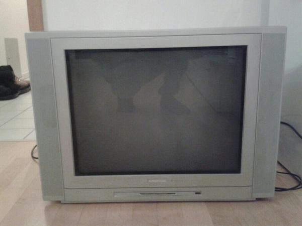 fernseher tv video elektronik m nchen gebraucht. Black Bedroom Furniture Sets. Home Design Ideas