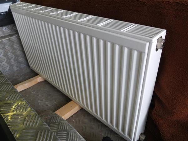 verkaufe heizk rper f zentralheizung mit thermostatknopf in hittisau elektro heizungen. Black Bedroom Furniture Sets. Home Design Ideas