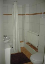 Vermiete Zimmer+Tageslichtbad