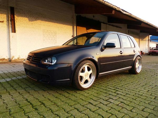 volkswagen golf 4 iv gti im r32 unikat in h chberg vw. Black Bedroom Furniture Sets. Home Design Ideas