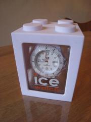 """Watch ice Armbanduhr in weiß, neu Wir verkaufen eine weiße Uhr von \""""watch ice\"""". Die Uhr wurde 2012 für 89,00 EUR gekauft und nicht ... 49,- D-90403Nürnberg Heute, 13:41 Uhr, Nürnberg - Watch ice Armbanduhr in weiß, neu Wir verkaufen eine weiße Uhr von """"watch ice"""". Die Uhr wurde 2012 für 89,00 EUR gekauft und nicht"""