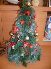 Weihnachtsbaum (aus Kunststoff)