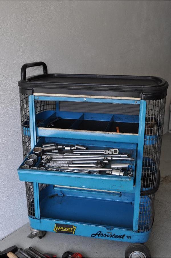 werkzeugwagen hazet assistent 171 werkstattwagen bef llt in nu loch werkzeuge kaufen und. Black Bedroom Furniture Sets. Home Design Ideas