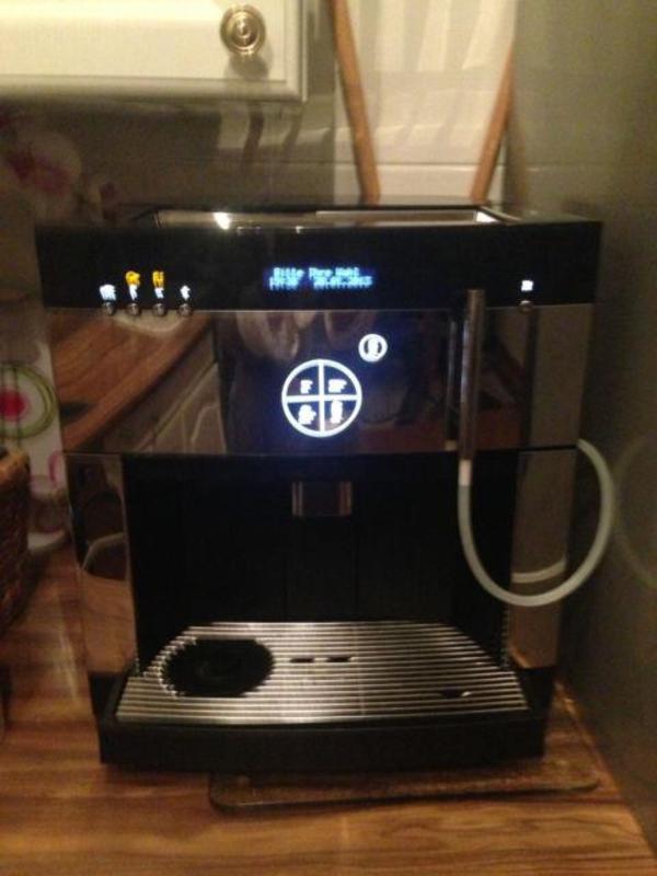 wmf 1000 pro 8 tassen espressomaschine in frankfurt kaffee espressomaschinen kaufen und. Black Bedroom Furniture Sets. Home Design Ideas