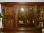 Wohnzimmerschrank m.Löwentatzenfüssen