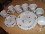 17 teiliges Porzellan Geschirr-set