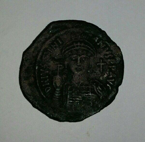 1800 jahre alte Bizantinische Münze ( Follis ) - Oberhaid - Verkaufe eine Bizantinische Münze, gut erhalten ca. 1800 Jahren alt . Gewicht 19,34 g Für Echtheit Garantiere ich , schöne Sammler Stück - Oberhaid