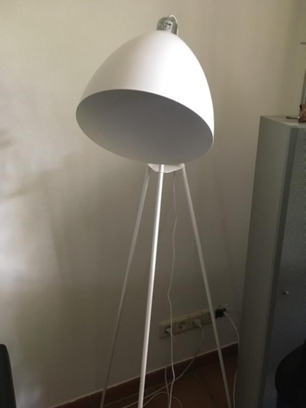 stehlampen tisch gebraucht kaufen nur 2 st bis 65. Black Bedroom Furniture Sets. Home Design Ideas