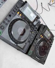 2x Pioneer CDJ